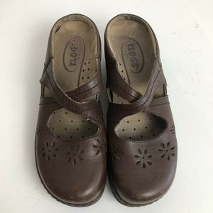 Klogs Womens Leather Floral Slide Clogs